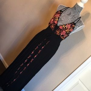 Forever 21 Black Embroidered Maxi Dress Medium